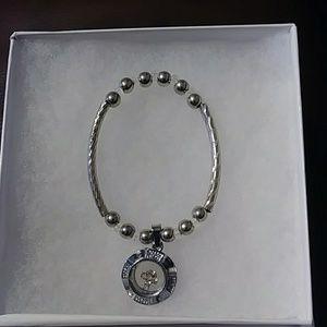 Cute Rana Jabero Cross Spinner Bracelet